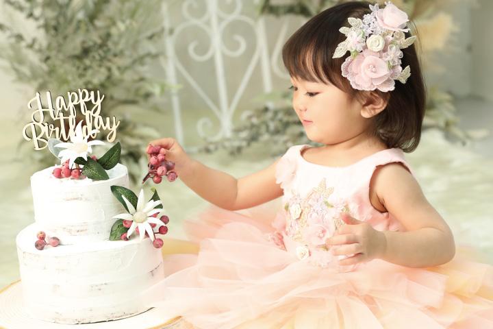 お子様の誕生日を家族みんなでお祝い